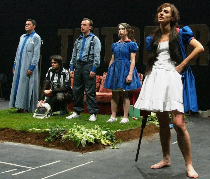 """""""Perro muerto en tintorería: los fuertes"""", de Angélica Liddell"""